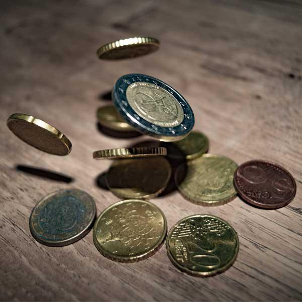 Fallende Geldstücke