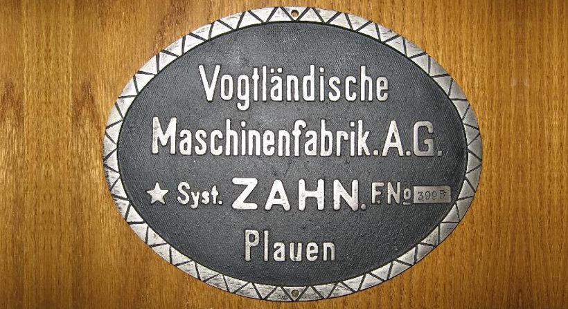 Altes Logo der VOMAG Plauener Kloeppelmaschinen