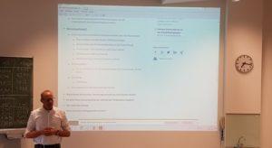 Prof. Dr. Seidel beim Vortrag zum EXIST Gründerstipendium