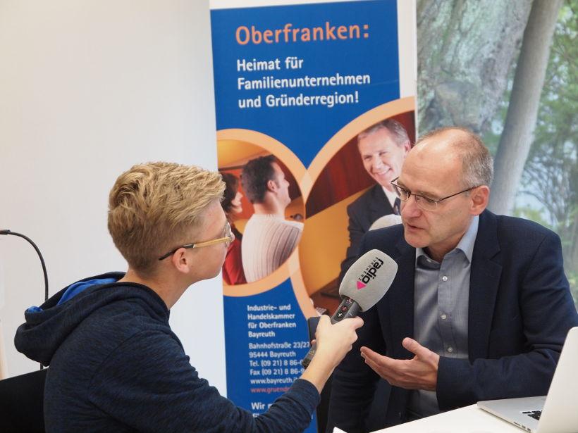 Hermann Hohenberger (rechts) im Interview